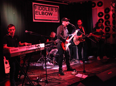 Denzeity On Stage At Fiddlers Elbow